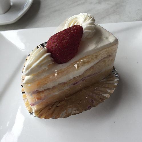 Strawberry shortcake(from 6pieces) 苺のショートケーキ6ピースより受けたまります)