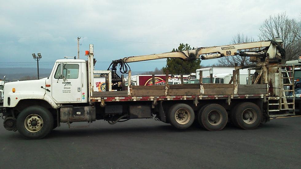 01 International F-2674 Hi Rail Material Truck
