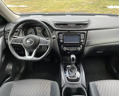 2017-nissan-rogue-sv-awd-4dr-crossover-2