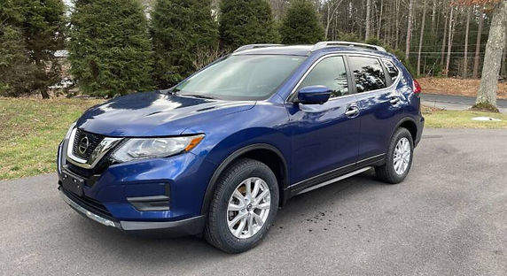 2017-nissan-rogue-sv-awd-4dr-crossover-1