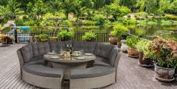 RYDAL DELUXE ROUND BENCH SET