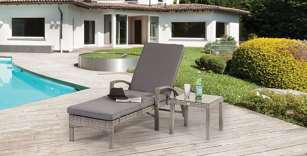 BARCELONA LOUNGER & SIDE TABLE