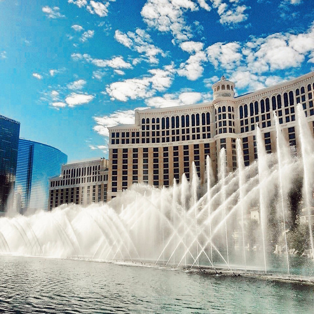 Iconic Bellagio Dancing Fountains