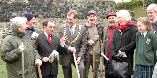 400 Truit Trees launch at Castle Park