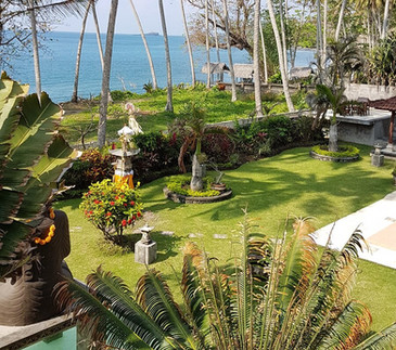 Enjoy the Villa Matanai grounds during y