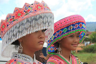 coiffes-hmong-1312626707-1129269.jpg