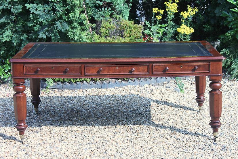 19th century early Victorian mahogany partners library table