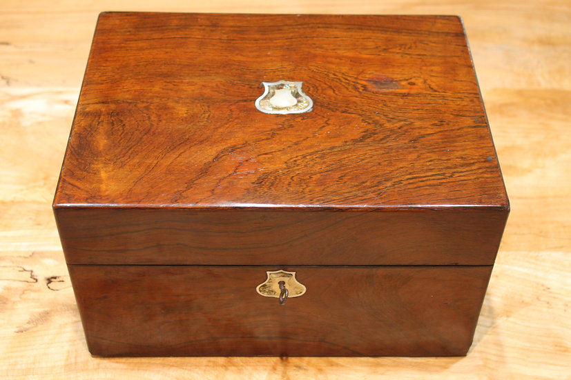 A fitted Victorian rosewood vanity/jewellerycase.