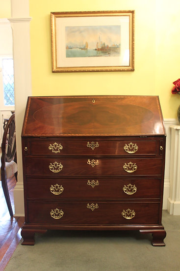 A fine quality George III period mahogany and inlaid bureau.