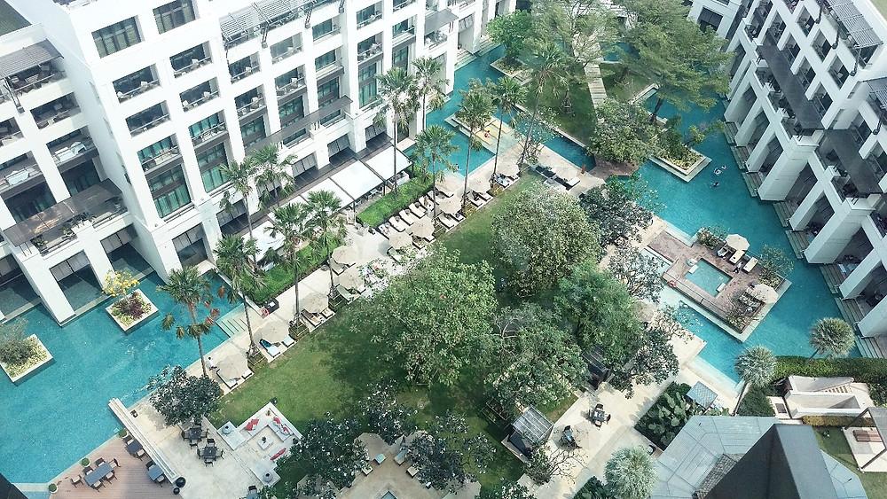 Siam Kempinski Hotel Bangkok interior pool area