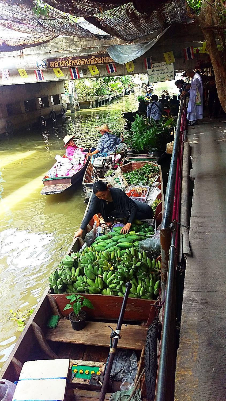 klong lad Mayom Market