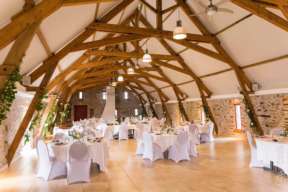 photo de la décoration salle du repas de mariage
