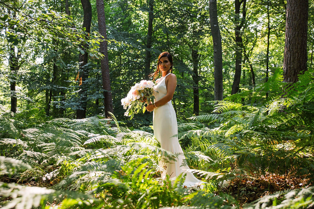 photo de la mariée en forêt de Fontainebleau