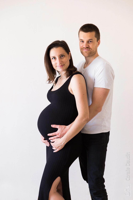 séance photo femme enceinte en studio a Massy