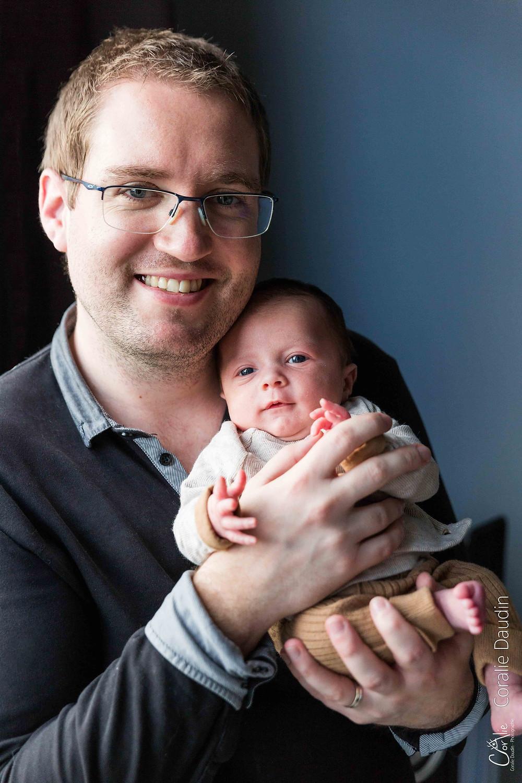 photo père et son bébé