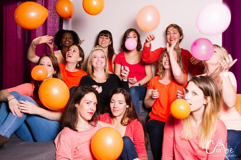 Photo groupe EVJF avec ballons