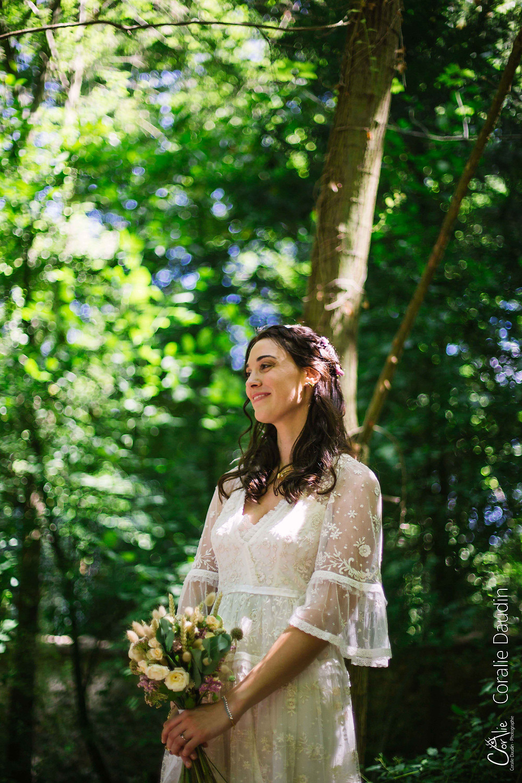 portrait mariée en forêt
