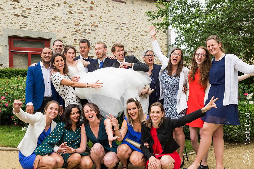 photo de groupe fun mariage