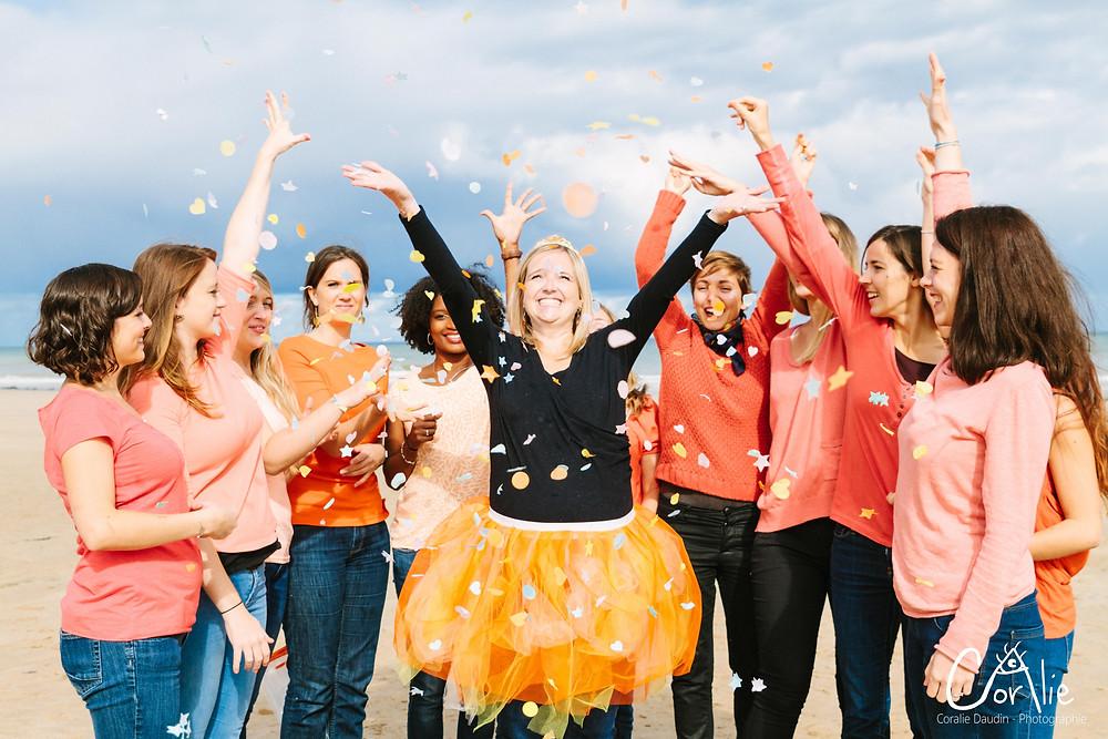 Groupe EVJF confetti et joie