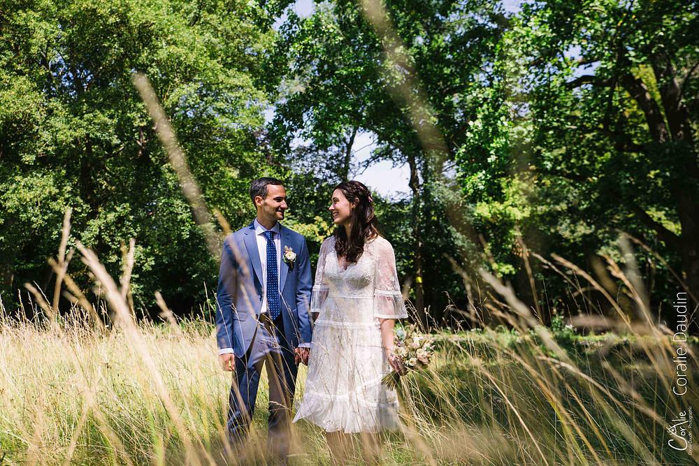 couple de mariés champêtre