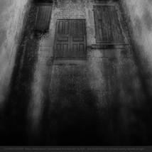 8 CLOSED DOORS -  - OLA24796e1F + text.j