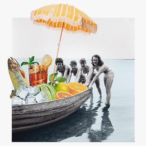 Collage de unas mujeres cogiendo una barca con elementos veraniegos