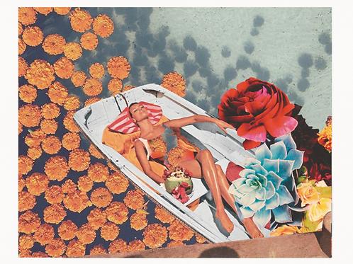 Cuadros para casa de mujer tomando el sol y flores