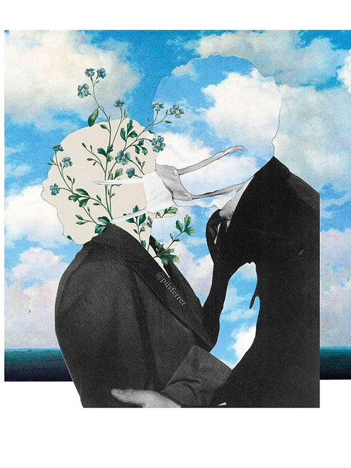 Imagen de una pareja dándose un beso con mascarilla