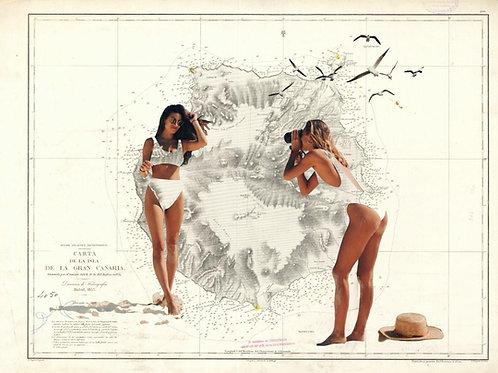 Cuadro collage de dos chicas sacandose fotos con el mapa de gran canaria de fondo