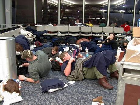 dormire-in-aeroporto-i-racconti-piu-divertent-L-ydio4u (1).jpeg