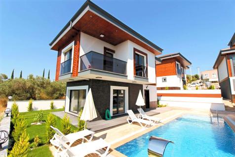 Kuşadası Satılık Müstakil Havuzlu Villa