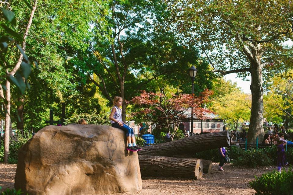 Kuşadası İkiçeşmelik Mahallesi'nde Oyun Oynayan Çocuklar