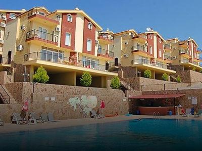 Kuşadası Kadınlar Denizi'nde Eşyalı ve Deniz Manzaralı 3+1 Satılık Villa