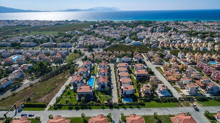 Kuşadası'nda Satılık Villa ve Daire