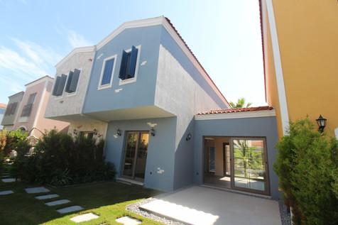 Kuşadası Özel Bahçeli Satılık Villa