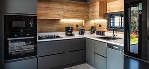 Projede bulunan her villada 3'lü ankastre mutfak seti yer almaktadır.