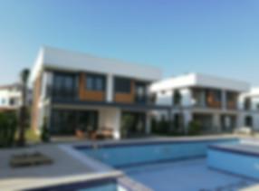 Kuşadası Havuzlu Sitede Satılık Villa