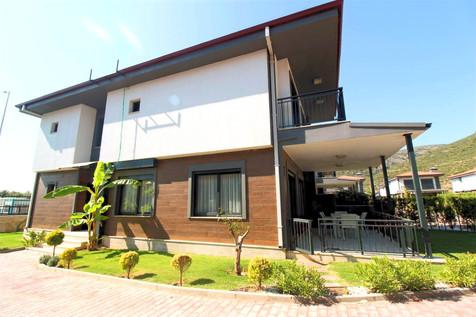 Kuşadası Satılık Tek Müstakil Villa