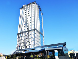 Tryp & Hawthorn Suites By Wyndham Airport Hotel