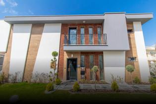 Kuşadası'nda Özel Bahçeli Müstakil Villa