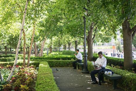 Kuşadası İkiçeşmelik Mahallesi'nde Bir Park