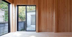 木の特性を活かした音楽室