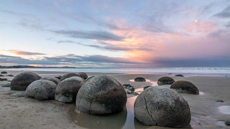 Moeraki Boulders with sunset.jpg