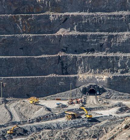 Macraes Mine open pit.jpg