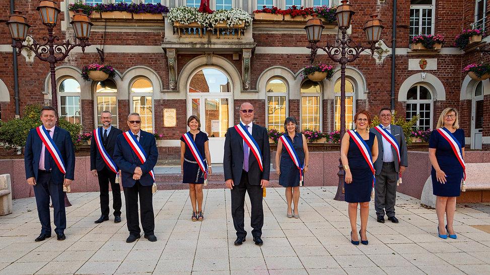 Le-maire-et-les-adjoints-mai-2020.jpg