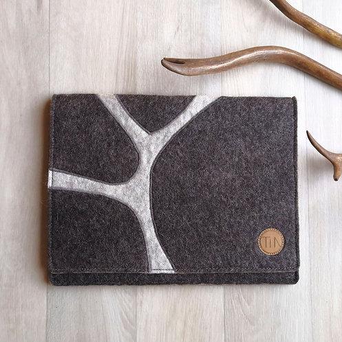 Tablet sleeve - reindeer brown grey