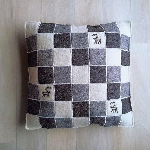 "Cushion cover ""ruutu"" light grey - 35x35"