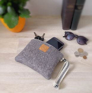 Pouches - handmade fashion accessories - The inspiring North