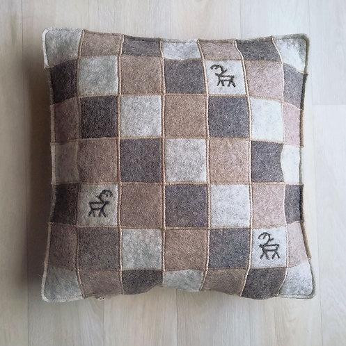 """Cushion cover """"ruutu"""" light brown - 35x35"""