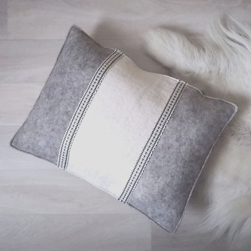 Cushion winterly grey - 30x40 - filled with wool